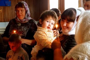 В поселке Солонцовый впервые было совершено Таинство Крещения