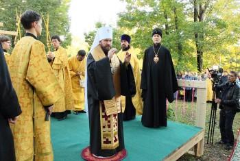 На территории прихода состоялась закладка крестильного храма