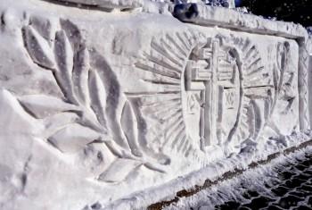 Снежные картины в Свято-Иннокентьевском храме