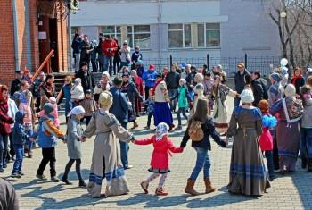 Традиционный пасхальный фестиваль прошел у стен Свято-Иннокентьевского храма