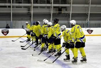 Первая игра «Рыбарей» в турнире любительской хоккейной лиги