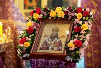 Престольный праздник. День памяти обретения святых мощей святителя Иннокентия Иркутского.