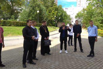 Храм святителя Иннокентия Иркутского с экскурсией посетили студенты первого курса Хабаровской духовной семинарии