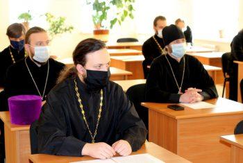 В Хабаровской епархии утвердили список мер для проведения Рождественских богослужений в условиях пандемии