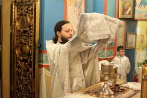 Иннокентьевский храм встретил праздник Рождества Христова